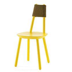 Žlutá židle z masivu EMKO Naïve